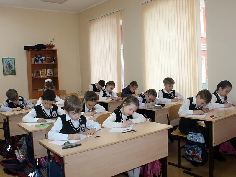 Ученики начальной школы написали итоговые контрольные работы
